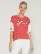 Gap Retro Logo Sleeve Crewneck T-Shirt in red color - XS